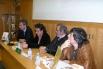 Presentació del llibre ''20 anys cantant els 40'', amb l'editor Fèlix Riera, Miquel Àngel Pascual (ex membre de La Trinca) i el periodista Carles Capdevila. Casa del Llibre, Barcelona, 2006
