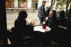 Al bar LA CONFITERIA el cantant David Carabén (Mishima) conversant amb David Escamilla. (Maig 2016) - Cicle #AperitivosCinzanoCon